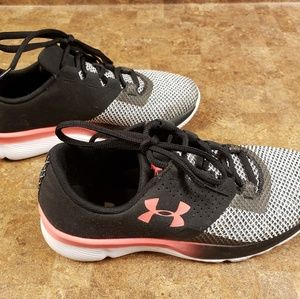 Under Armour Shoes (Youth 5Y/Women's 6.5)
